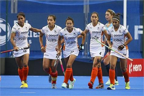 indian women  s hockey team lost to new zealand 1 2