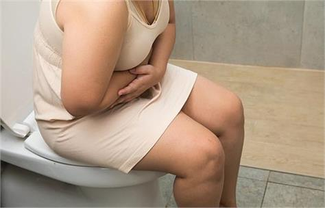 woman urinates alcohol without drinking due to yeast in her bladder