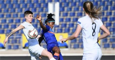 indian women football team lost 1 2 to belarus